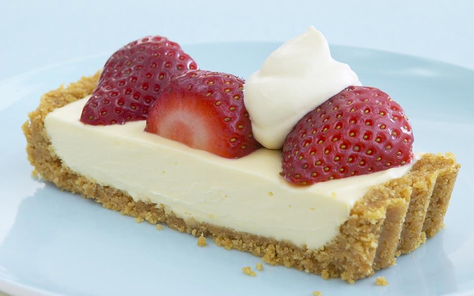 Strawberry and mascarpone tart recipe | FOOD TO LOVE
