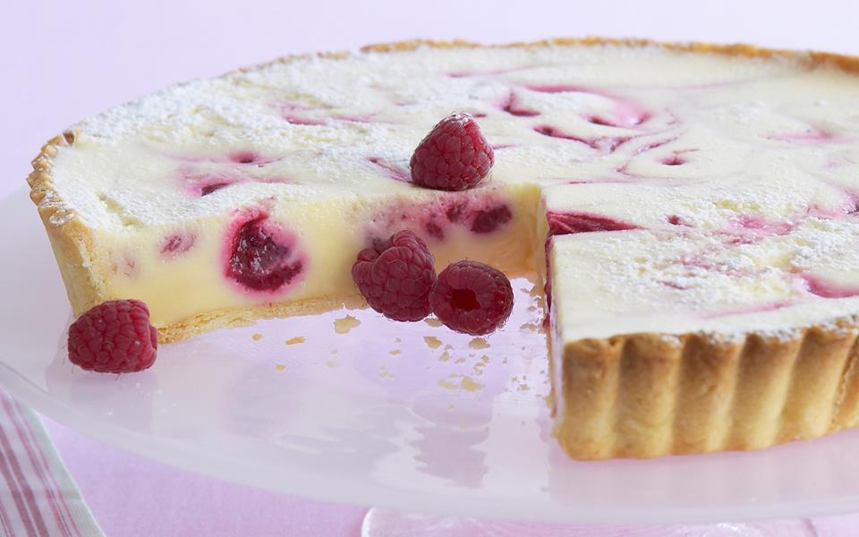 White chocolate raspberry tart recipe | FOOD TO LOVE