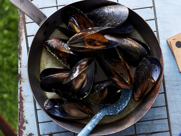 Barbecued lime and ginger mussels