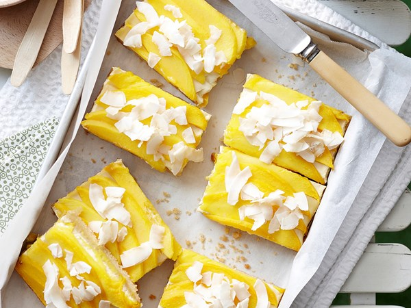 Mango macadamia slice