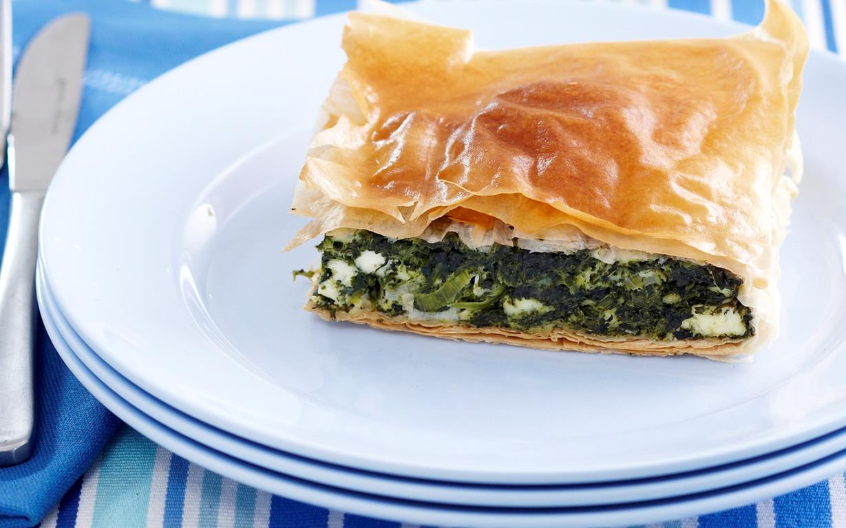 spinach and ricotta pie with filo pastry