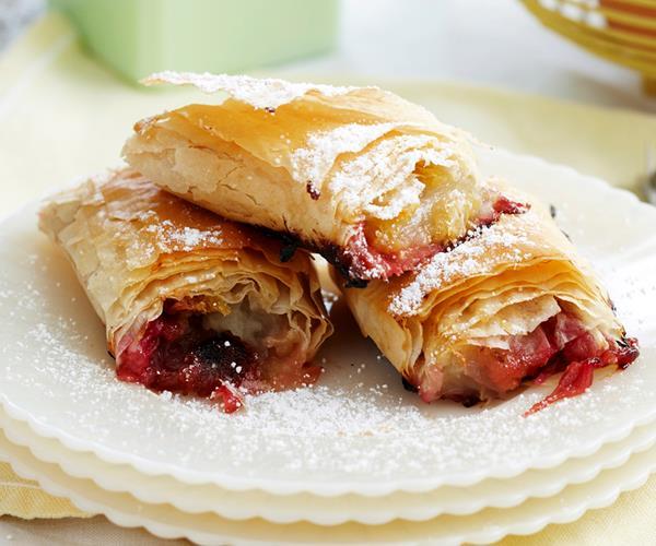 Apple and rhubarb strudel rolls recipe | Food To Love