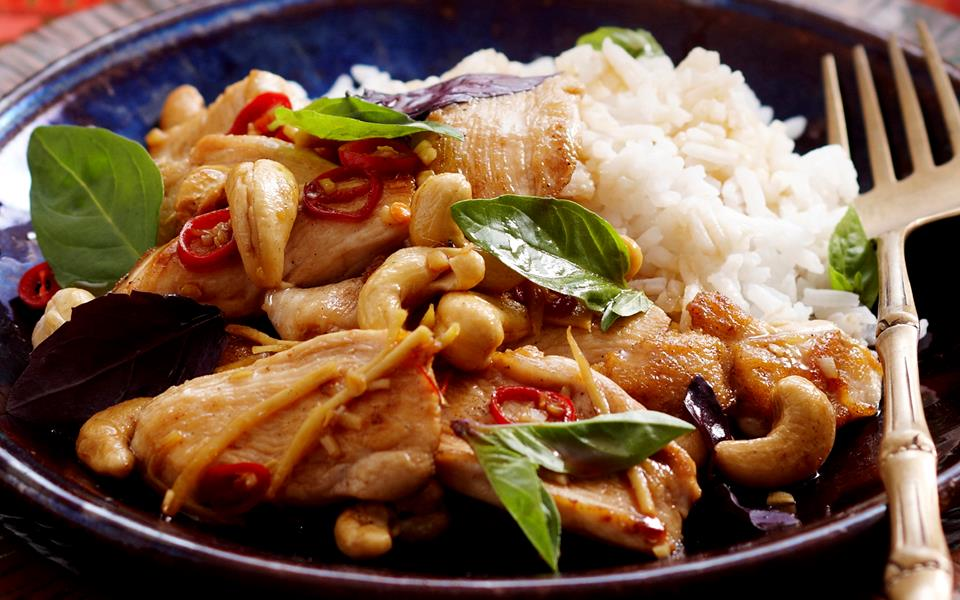 Basil and cashew chicken stir-fry recipe | FOOD TO LOVE