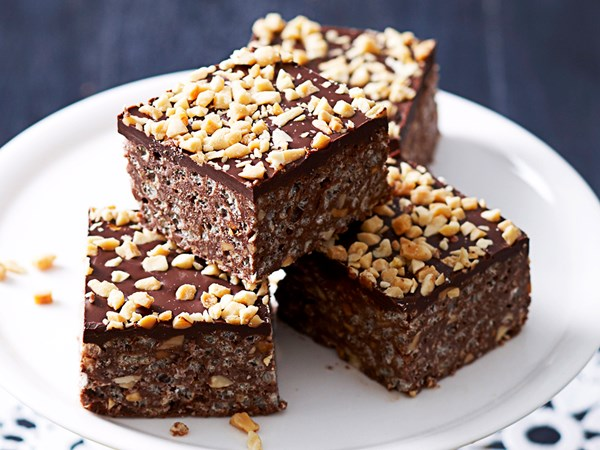 Choc peanut crackle slice