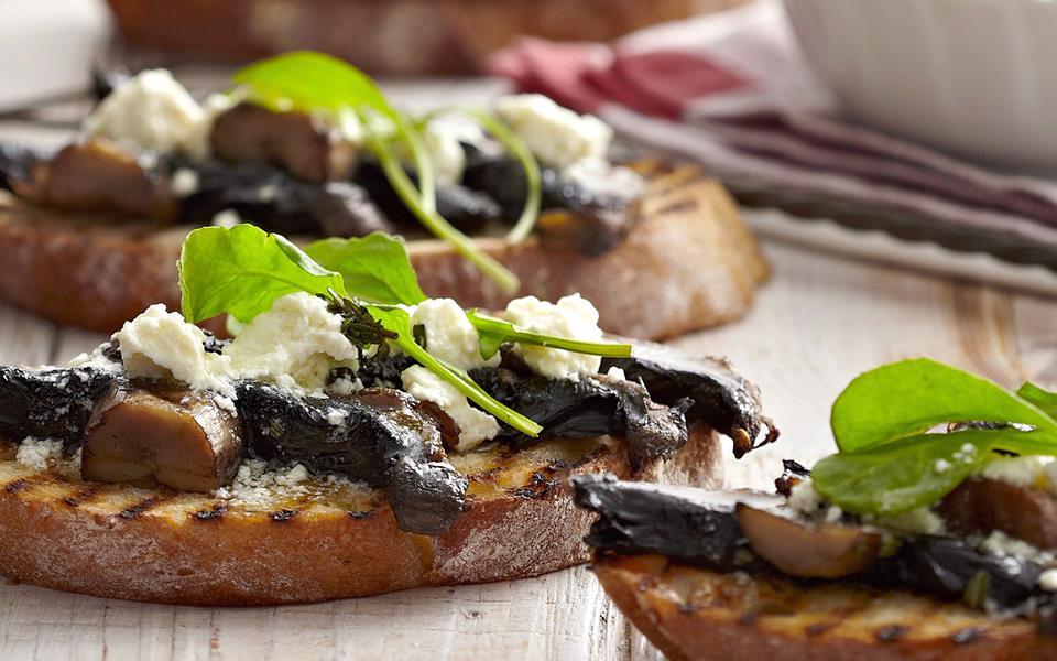 Field mushroom bruschetta recipe | FOOD TO LOVE