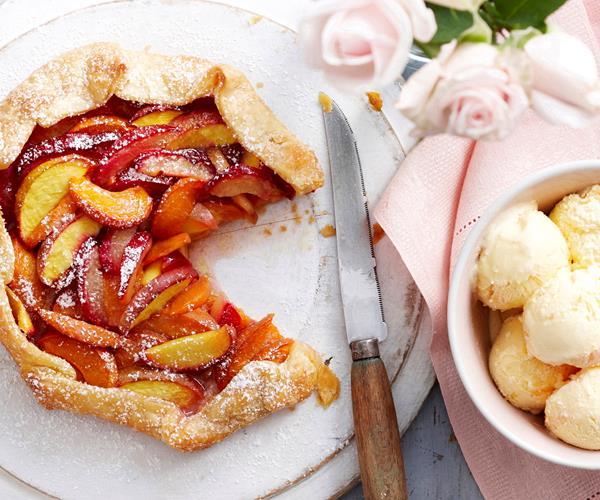 Freeform peach, plum and apricot pie recipe | Food To Love