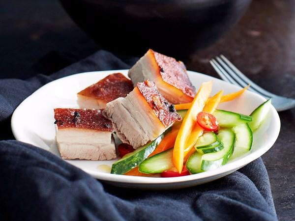 how to cook pork cracklibg