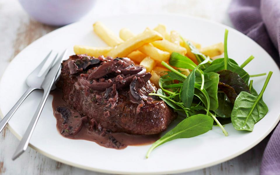 Steak with red wine and mushroom sauce recipe | FOOD TO LOVE