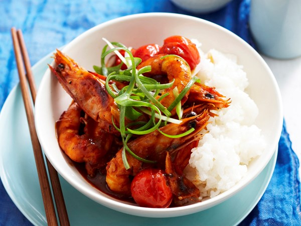 Stir-fried tomato prawns