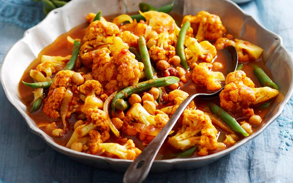 Cauliflower and chickpea curry recipe | FOOD TO LOVE