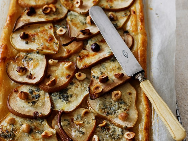Pear tart with blue cheese and hazelnuts