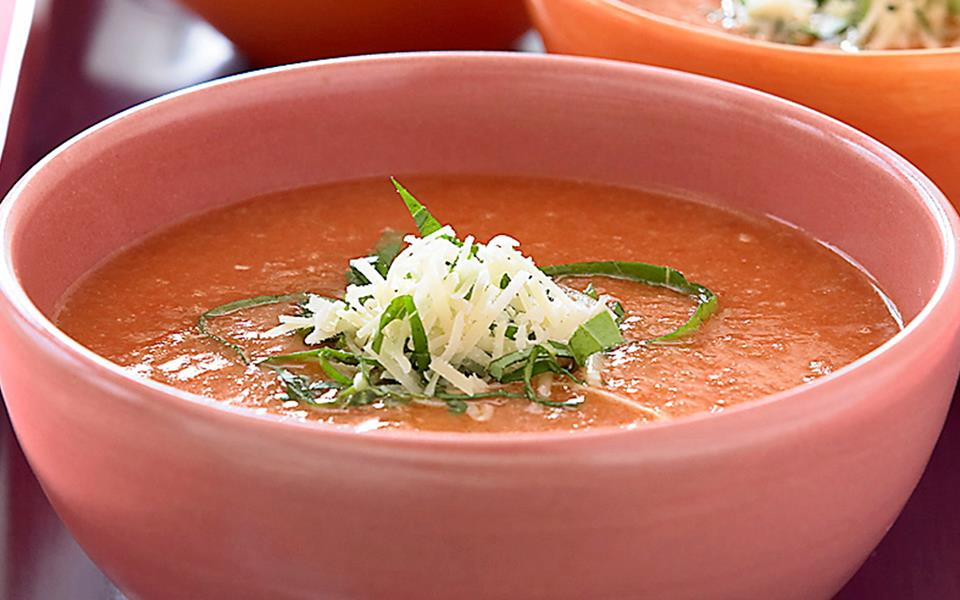 Bread and tomato soup with basil recipe | FOOD TO LOVE