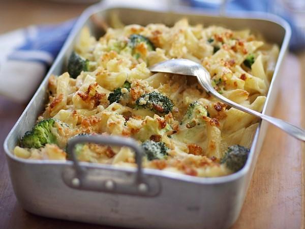 Cheese, chicken and broccoli pasta grill