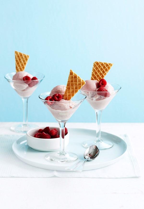 Low-fat strawberry ice-cream