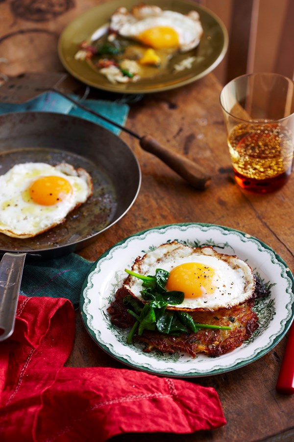 Potato rosti with fried egg