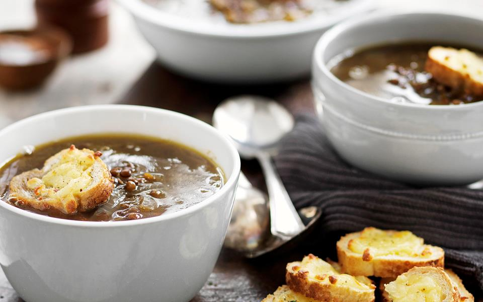 Caramelised onion soup with cheesy floats recipe | FOOD TO LOVE