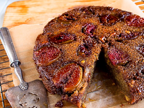 Fig sponge cake
