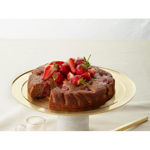 Strawberry, vanilla bean and honey cake recipe | Food To Love