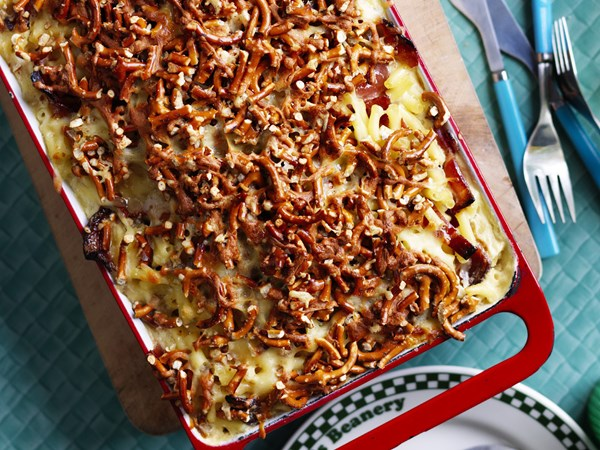 candied bacon   with mac&  pretzel crumb cheese