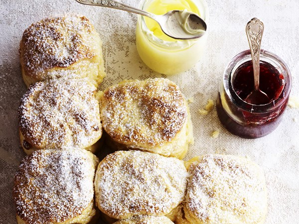 White chocolate scones