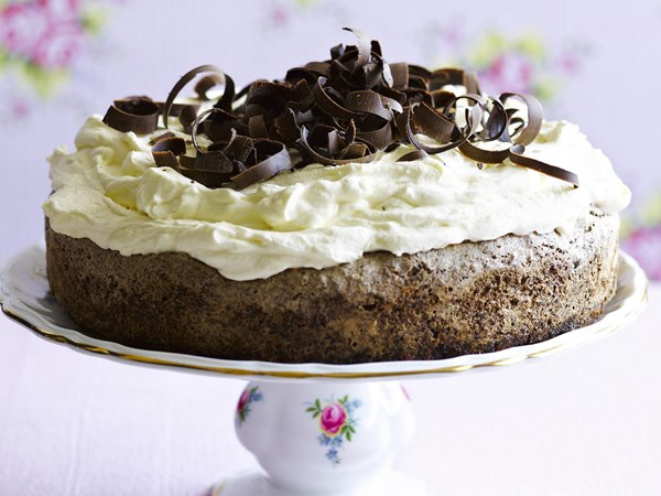 Date and chocolate torte
