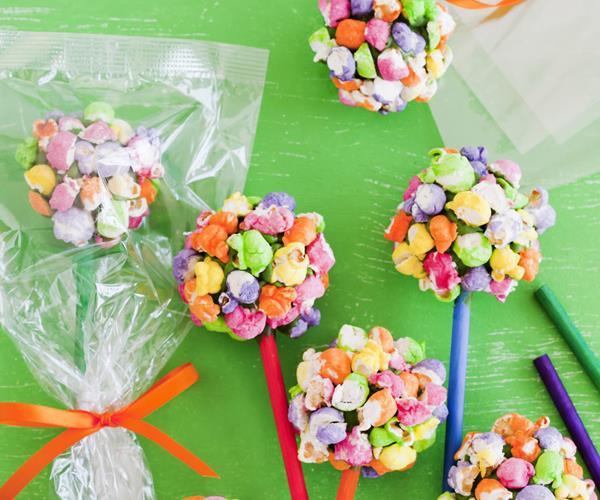 Rainbow popcorn moon rocks recipe food to love for Food bar rainbow moon