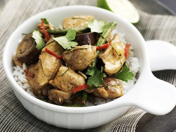 Thai red chicken curry with jasmine rice