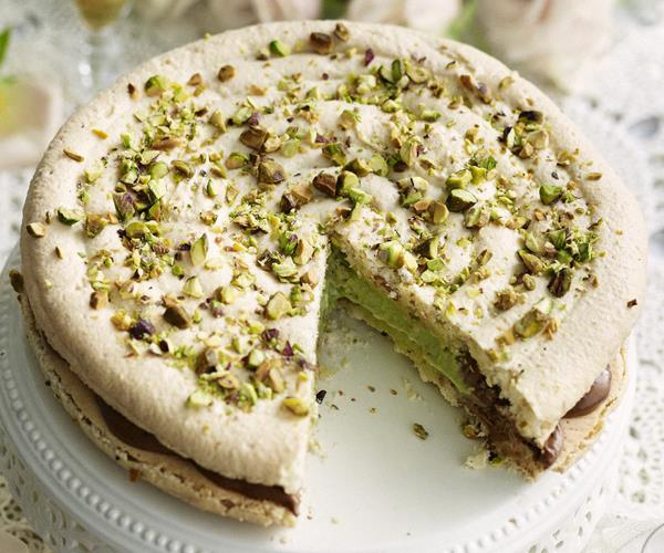 Macaroon with pistachio cream and chocolate mousse recipe ...