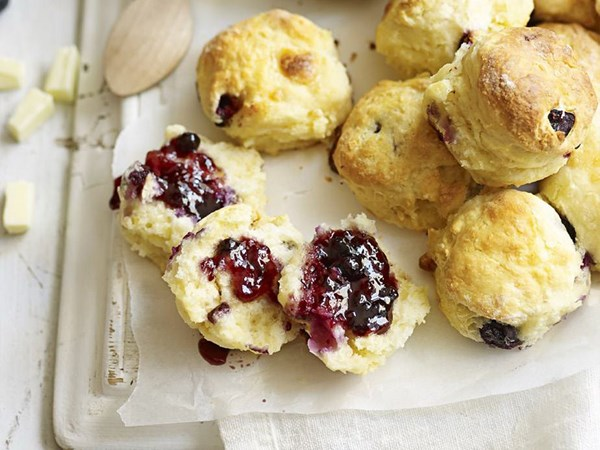 White chocolate and blueberry scones
