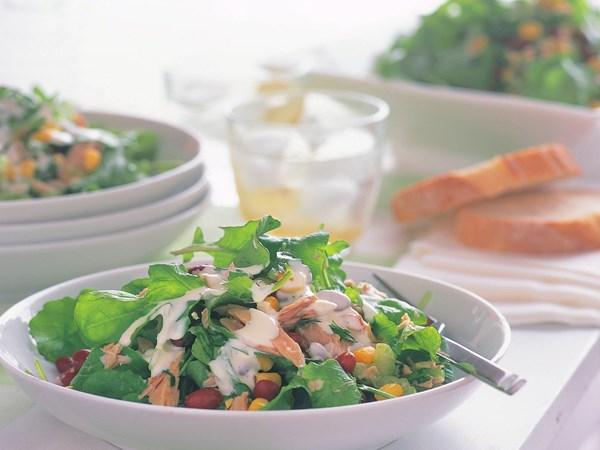 Tuna, corn and bean salad with lemon mayonnaise