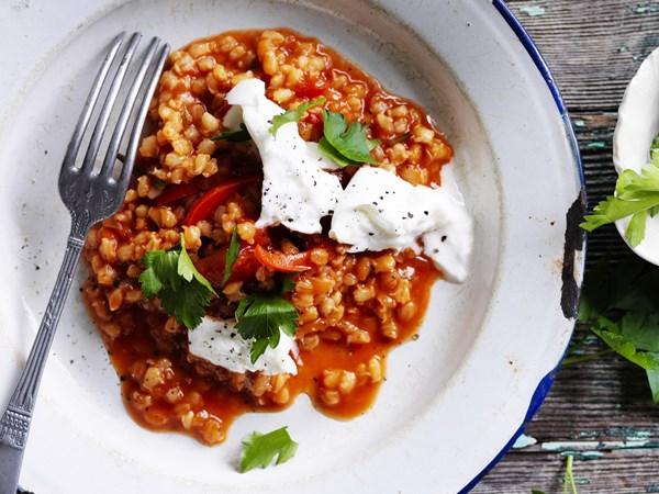 Rosemary and tomato barley risotto with mozzarella