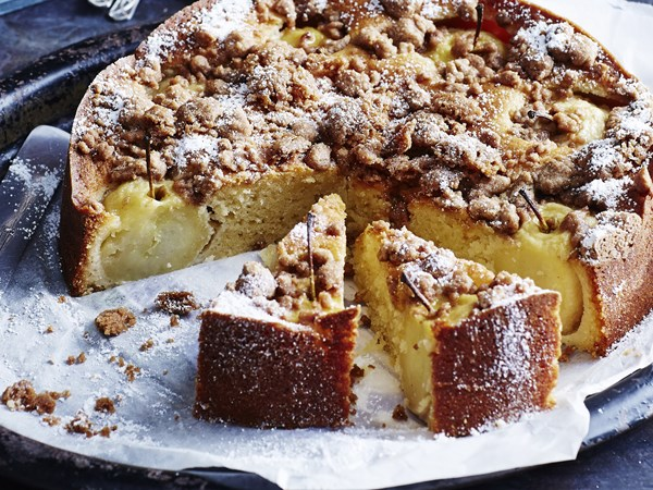 Apple and cinnamon crunch cake with cinnamon anglaise