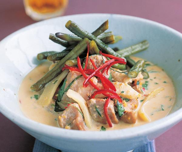 how to make snake beans curry