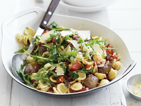 Spicy pasta with lamb, anchovies and rosemary