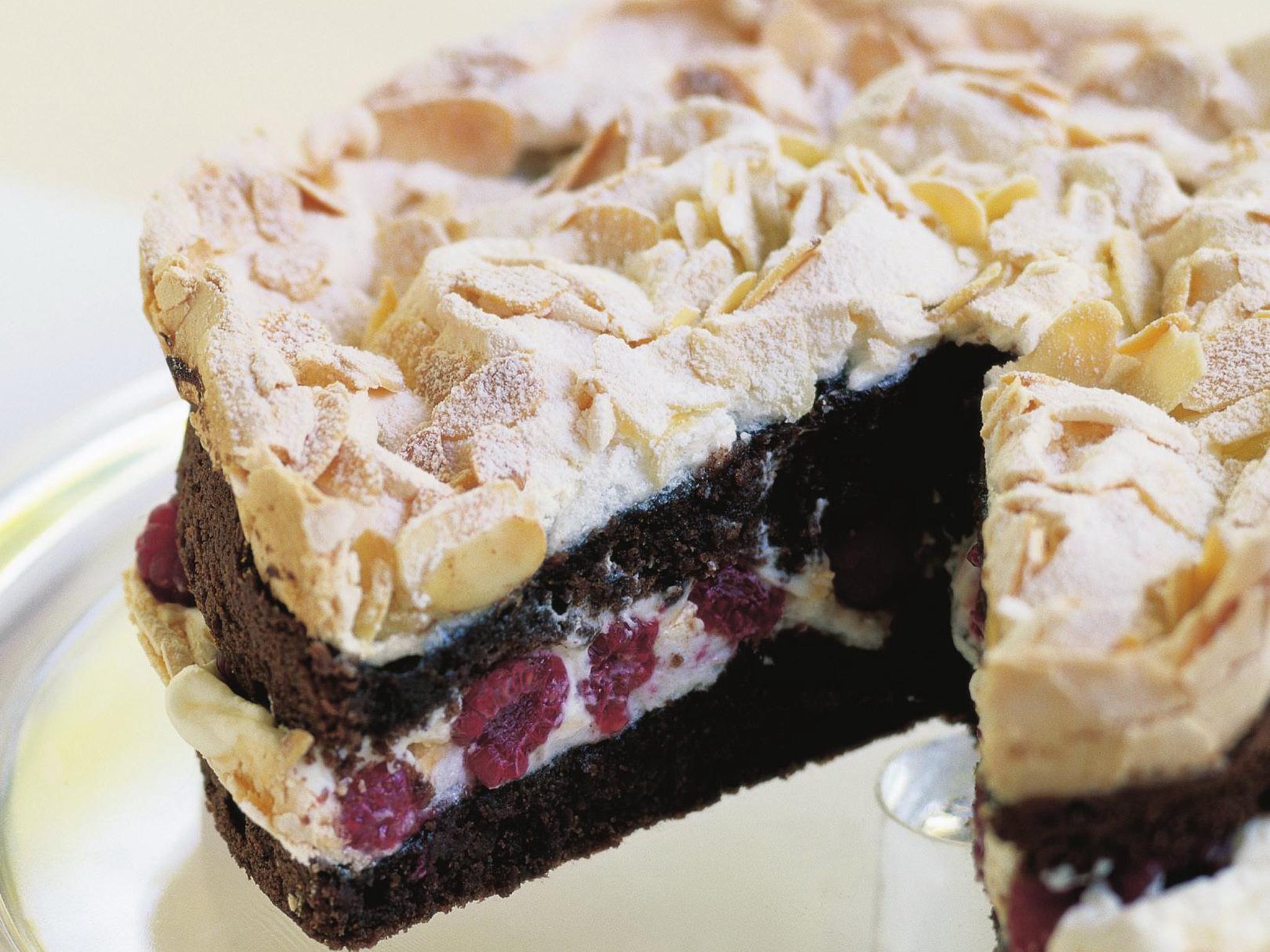 Watch Raspberry and Meringue Cake video