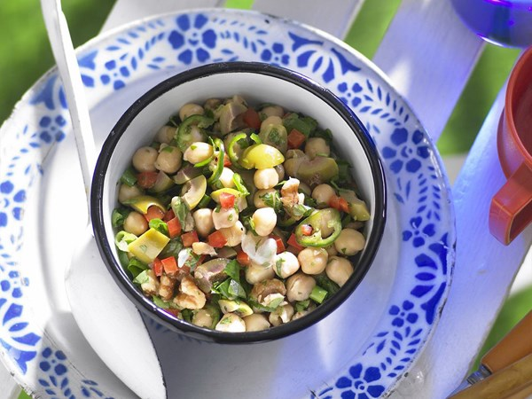 Chickpea and walnut salad with green chilli