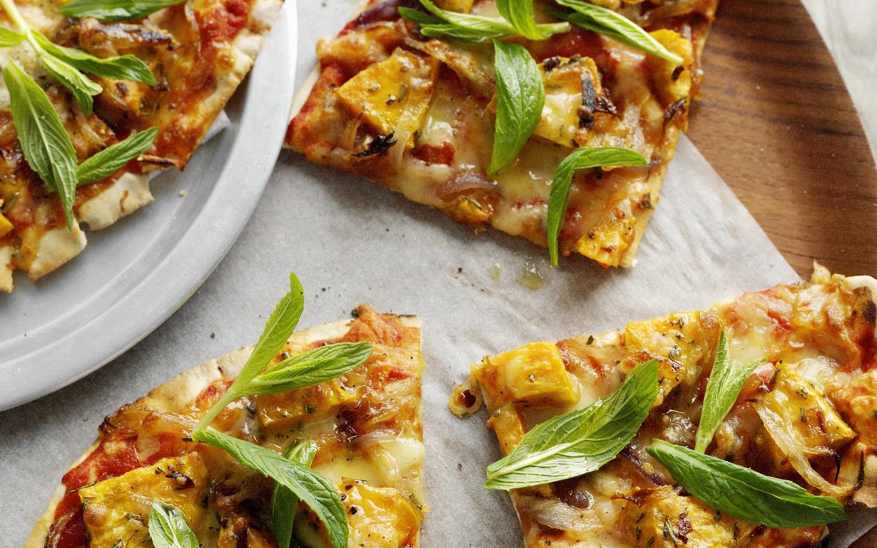 Kumara, rosemary and caramelised onion pizza