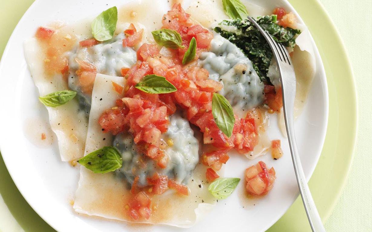 herbed ricotta ravioli with tomato salsa