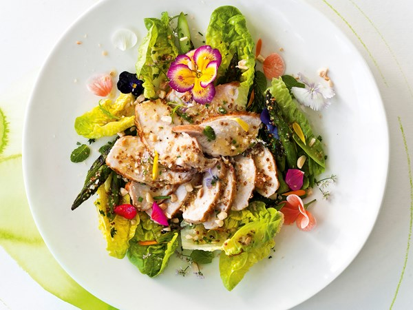 Grilled asparagus and pan-fried chicken breasts with verjuice and hazelnut dressing