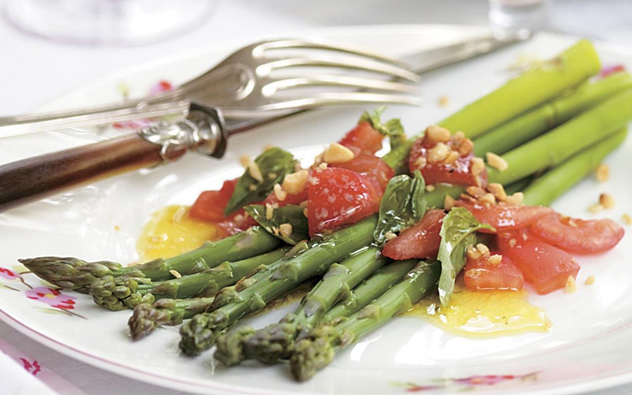 Asparagus with tomato vinaigrette