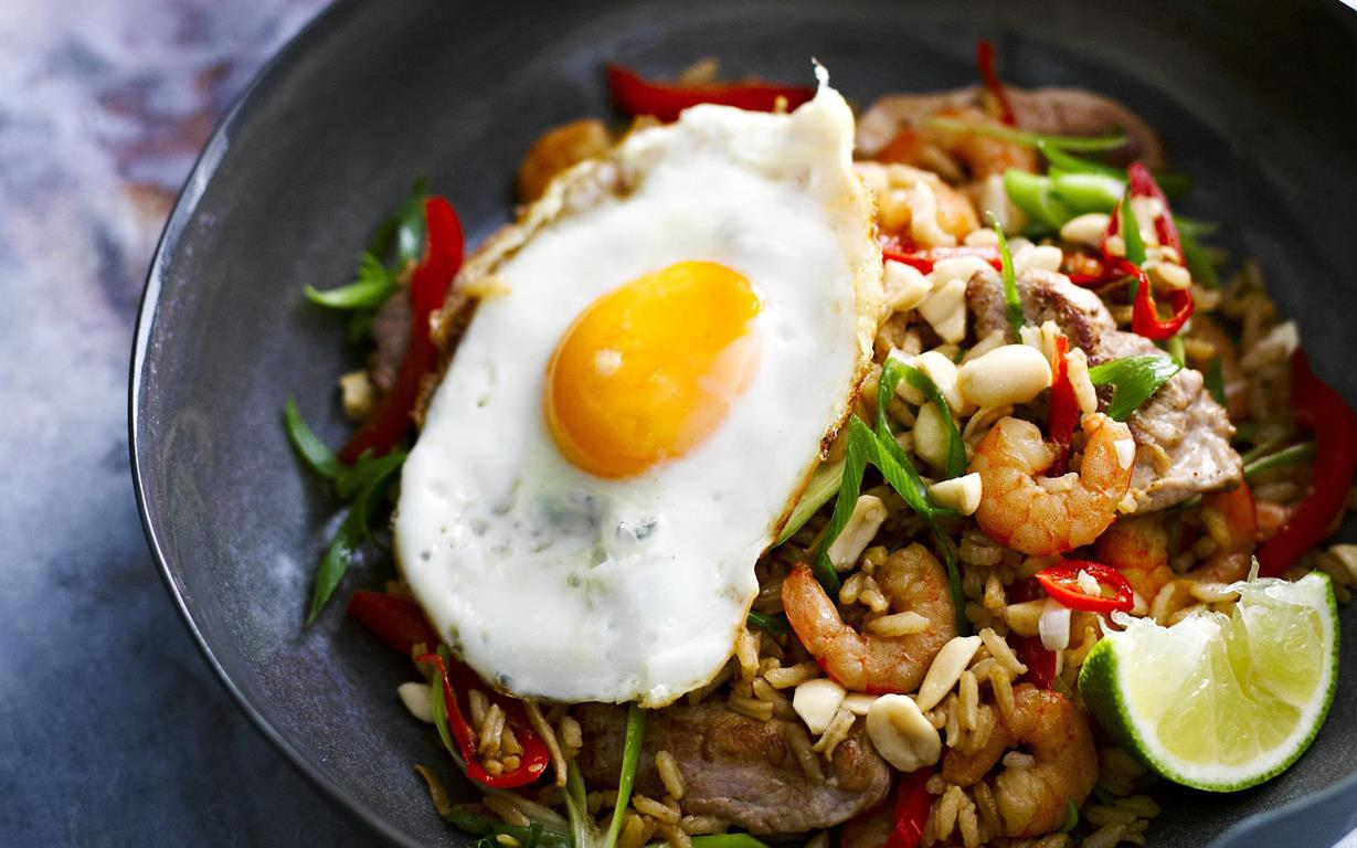 Indonesian fried rice (nasi goreng) recipe | FOOD TO LOVE