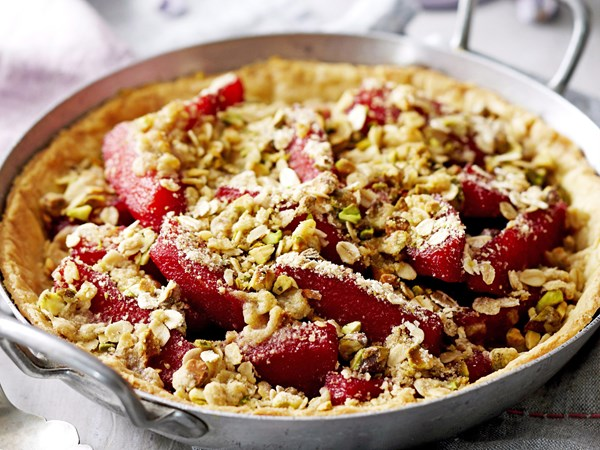Quince and pistachio crumble pie