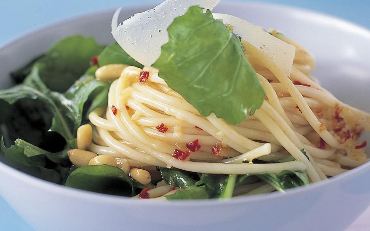 Spaghetti with rocket, parmesan and pine nuts