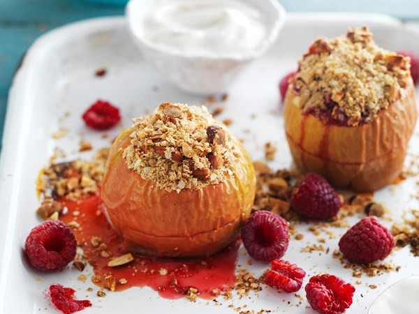 Baked apples and raspberries with quinoa almond crumble