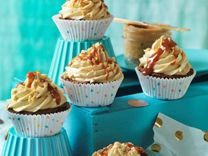 Caramel crunch chocolate cupcakes