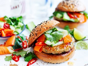 Thai fish burgers with pickled vegetables