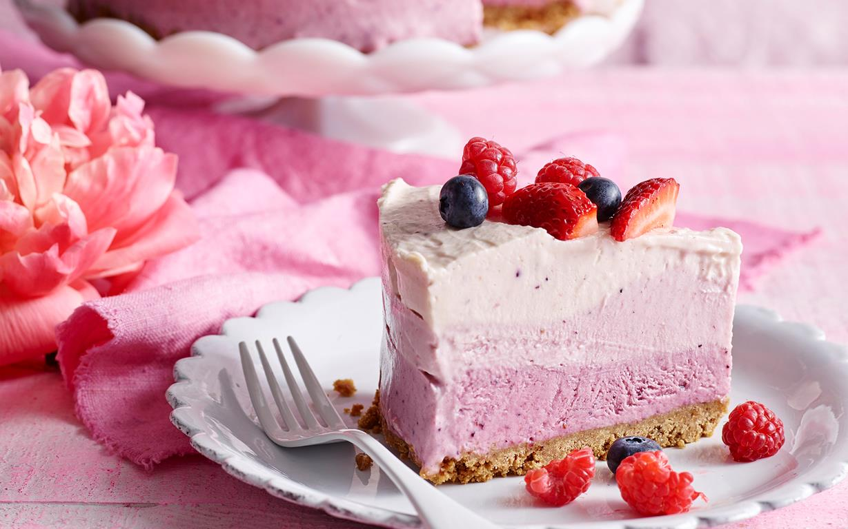 Mixed Berry Ice Cream Cake Recipe