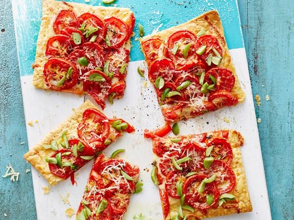 Tomato pastry pizzas