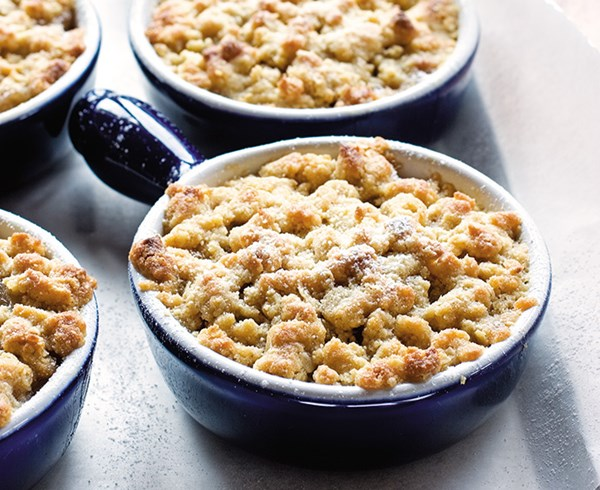 Apple and feijoa crumble