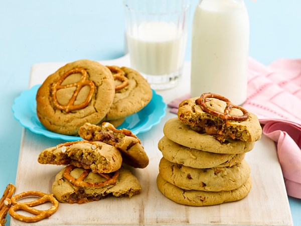 Peanut-choc pretzel cookies